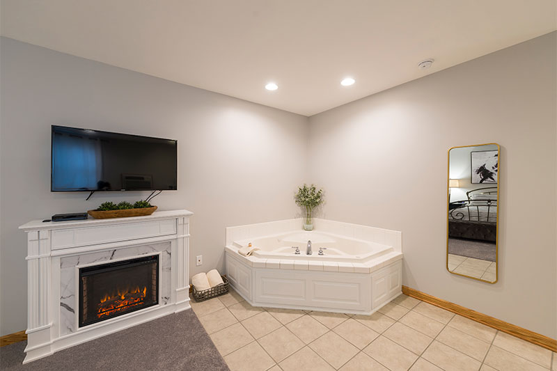 Jacuzzi Tub for Two and fireplace